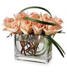 Teleflora's Peaches and Crème Bouquet (06R310-P)
