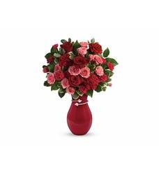 Teleflora's Hearts Entwined Bouquet (T16V105A)