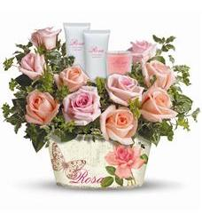 Teleflora's Rosy Delights Gift Bouquet