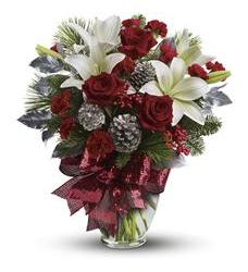 Holiday Enchantment Bouquet (TWR07-1A)