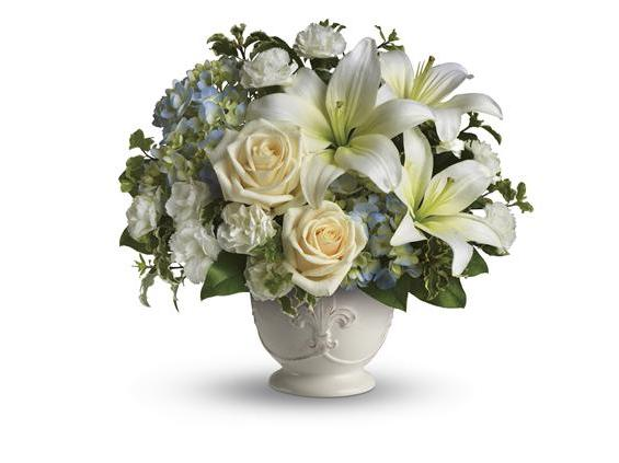 Beautiful Dreams by Teleflora (T209-1A)