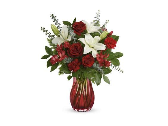 Teleflora's  Love  Conquers  All  Bouquet (T21V200A)