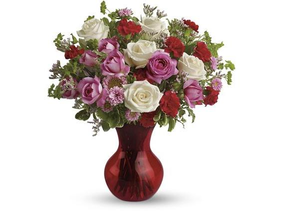 Teleflora's Splendid in Red (TEV07-3A)