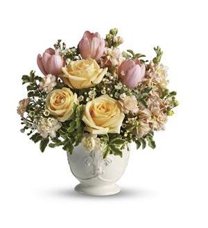 Teleflora's Peaches and Dreams (T145-3A)