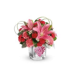 Teleflora's Jeweled Heart Bouquet (T18V405A)