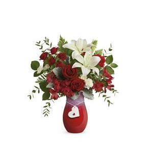 Teleflora's  Charming  Heart  Bouquet (T21V105A)