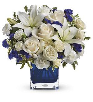 Teleflora's Sapphire Skies Bouquet (TEV25-3A)