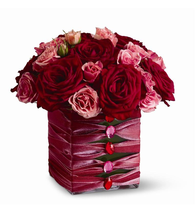 Telefloras Birthday Couture TFWEB298